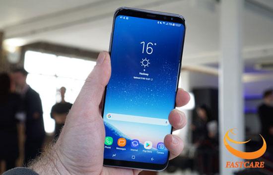 Màn hình vô cực tuyệt đẹp của Samsung S8 Plus