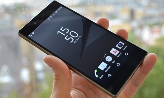 Sony Z5 bi den man hinh