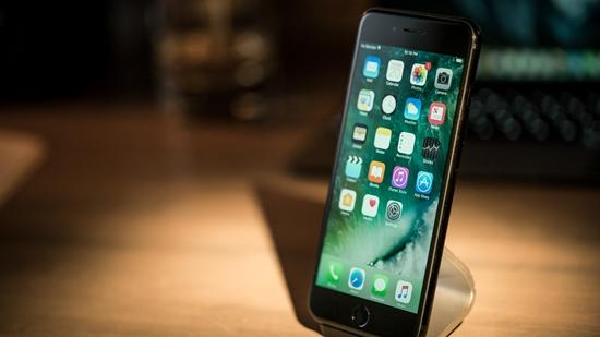 Man hinh iPhone 7 Plus bi hong
