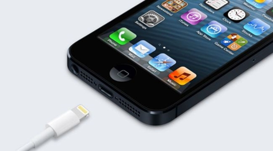 Thay chan sac iPhone 5
