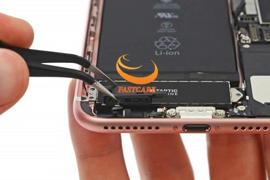 thay chan sac iPhone 7 gia re tai fastcare
