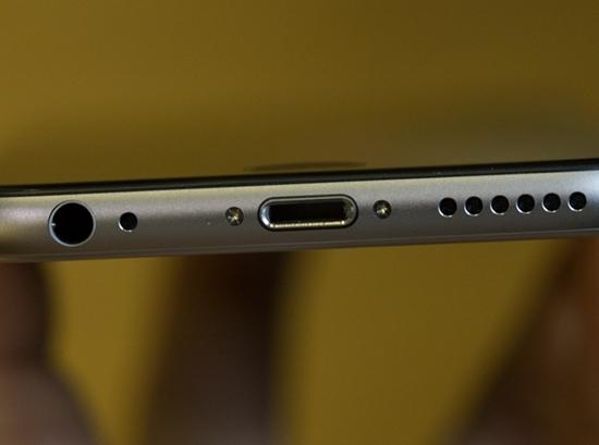Thay duoi sac iPhone 6s