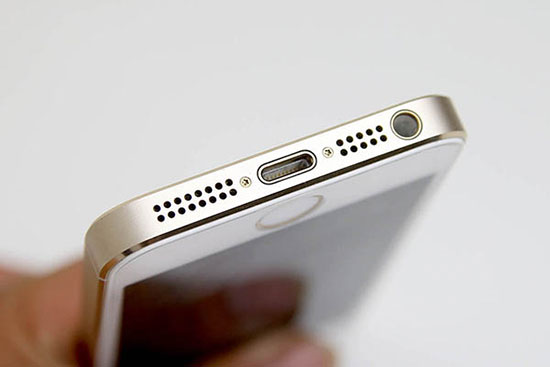 Thay loa trong iPhone 5s gia re
