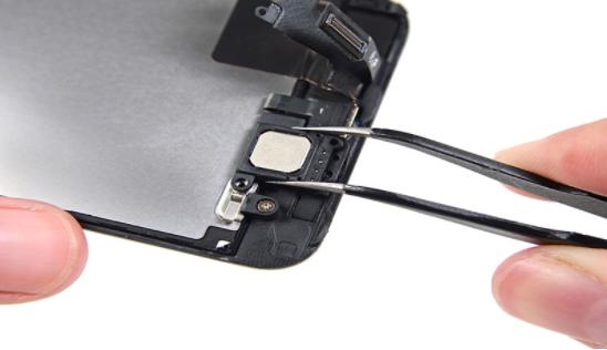 Trong nhiều trường hợp, bạn sẽ phải thay mới loa trong cho chiếc iPhone 7 của mình
