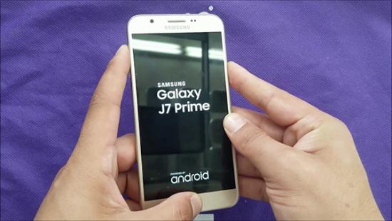 Samsung J7 Prime bi loi cam ung