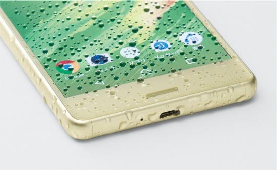 Sony XA bi hu hong man hinh