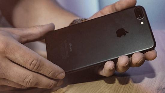 iPhone 7 Plus hu loa ngoai