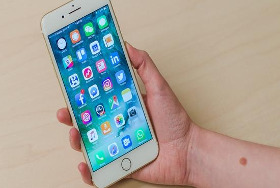 iPhone 7 Plus hu loa trong
