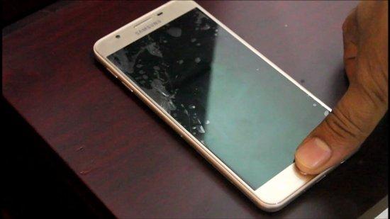 Samsung J7 Prime không lên màn hình