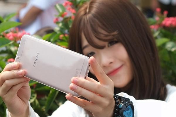 Samsung J7 lỗi camera trước