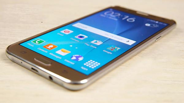 khac phuc Samsung J7 loi micro