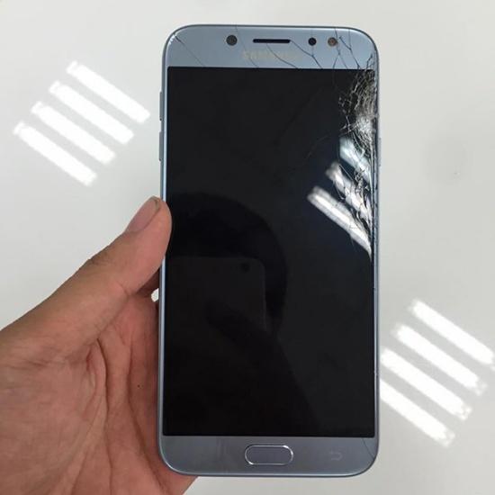 Samsung J7 Pro bị rạn nứt màn hình