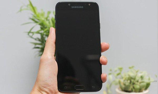 Màn hình Samsung J7 Pro không lên màn hình