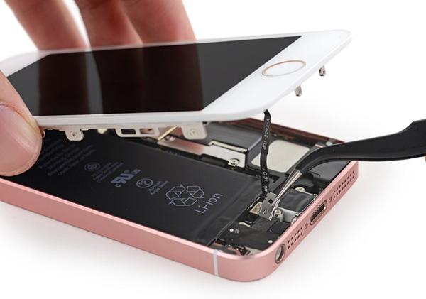 Thay rung iPhone SE chinh hang