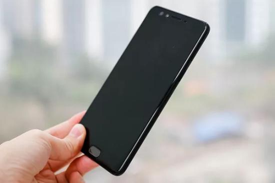 Oppo F3 Plus khong len man hinh
