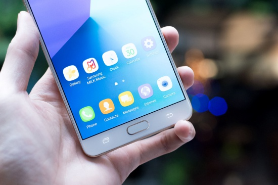 Samsung C9 Pro bi do man hinh