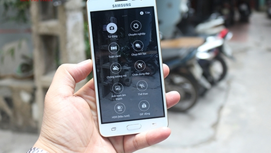 Samsung J3 Pro bi vo man hinh