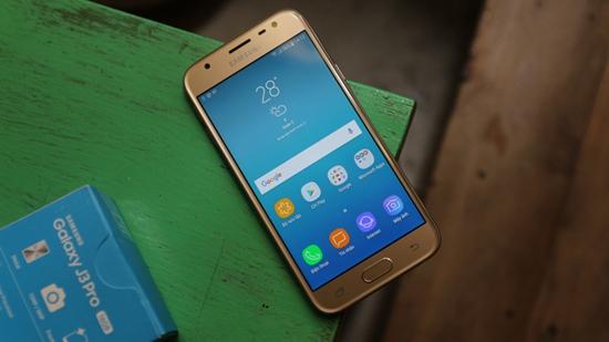 Samsung J3 Pro bi nong may