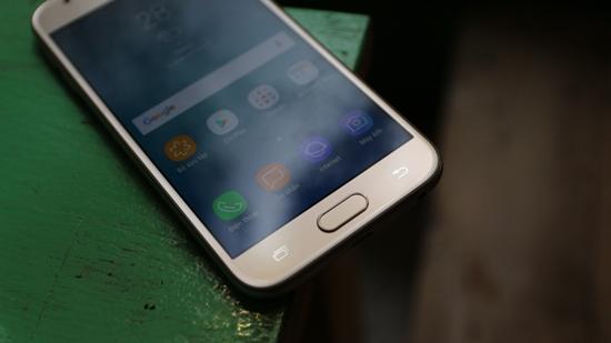 Samsung-J3-pro-bi-nong-may