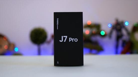 Samsung J7 Pro bi dom man hinh
