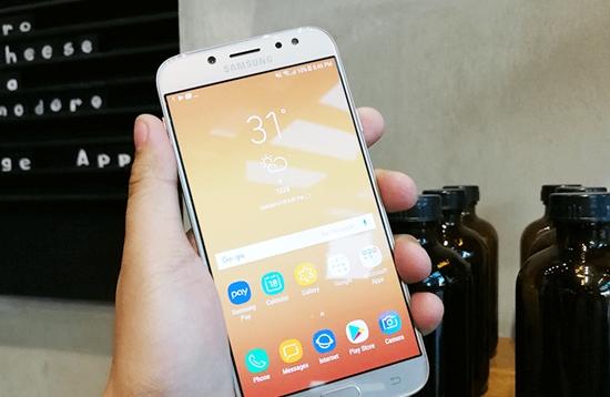 Samsung J7 Pro bi nong may