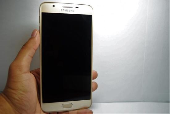Samsung j7 Prime khong len man hinh