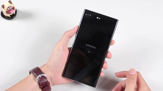 Sony XZ Premium bi soc man hinh