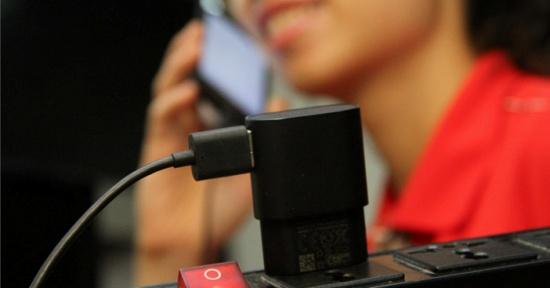 iPhone 6s bi chai pin