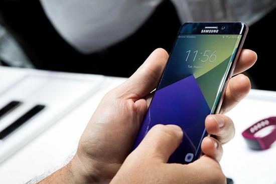 Man hinh Samsung J7 Prime bi nhap nhay