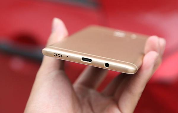 khắc phục Samsung C9 Pro sạc không vào pin