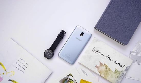 Samsung J3 Pro lỗi màn hình
