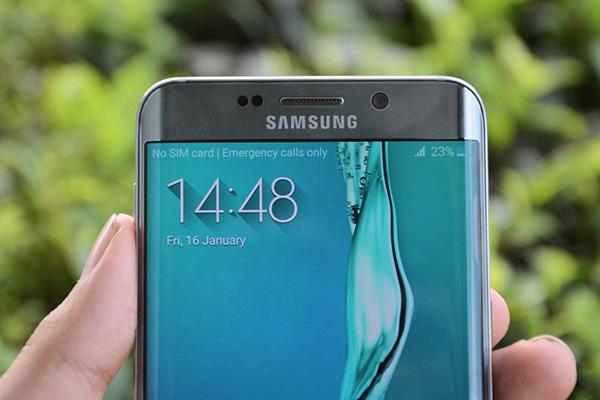 Samsung S7 Edge bi mat wifi