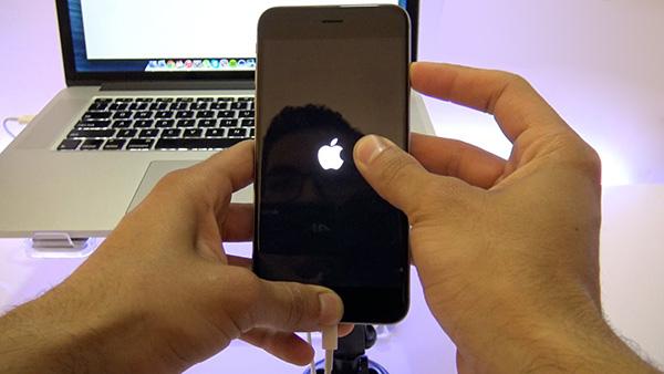 Restore iPhone 6S Plus để khắc phục lỗi màn hình
