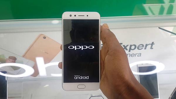 Bạn nên khởi động lại chiếc Oppo của mình