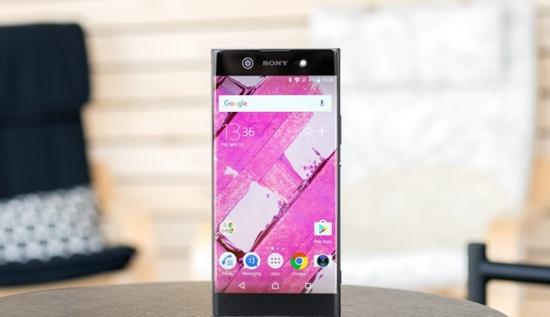 man hinh Sony XA1 Ultra bi dom