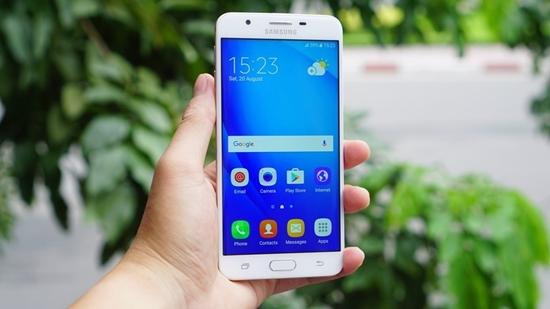 Samsung J7 Prime bi sap nguon
