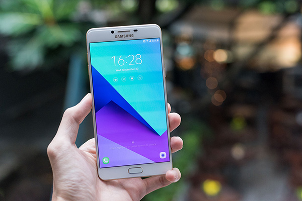 Samsung C9 Pro bi mat wifi
