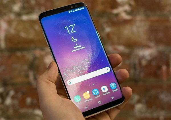 Samsung tự cập nhật phần mềm gây nhiều khó chịu