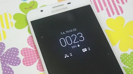 hien thi dong ho khi tat man hinh Samsung J7 Prime