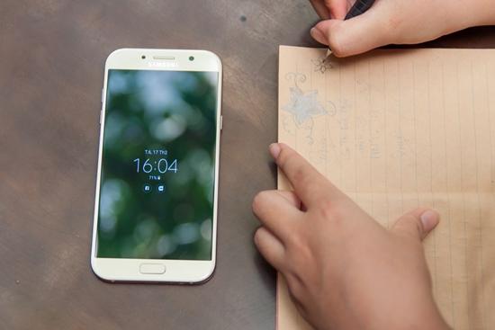Samsung A7 2017 soc man hinh