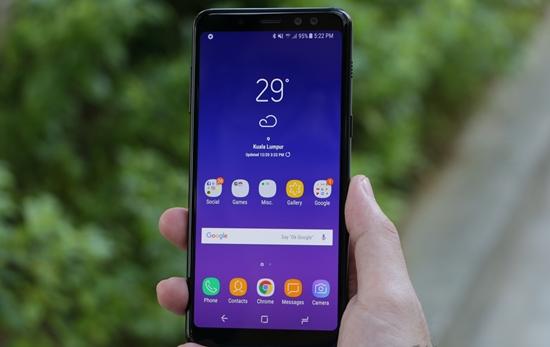 Samsung A8 2018 bi nong may