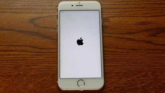 iPhone bi do khong tat duoc nguon