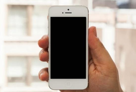 iphone-khong-len-man-hinh-nhung-van-goi-duoc