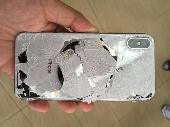 iPhone X bi loi man hinh den