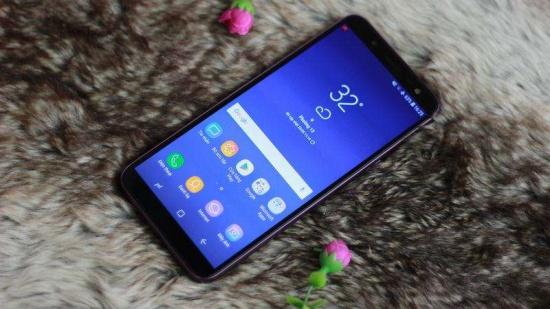 Samsung J6 bi chay muc