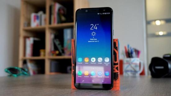 thay mat kinh Samsung A6 2018