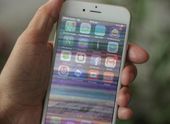 man hinh dien thoai iPhone bi soc ngang