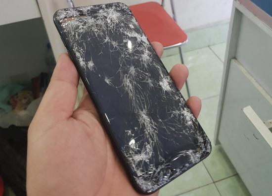 Samsung J7 Plus không lên màn hình