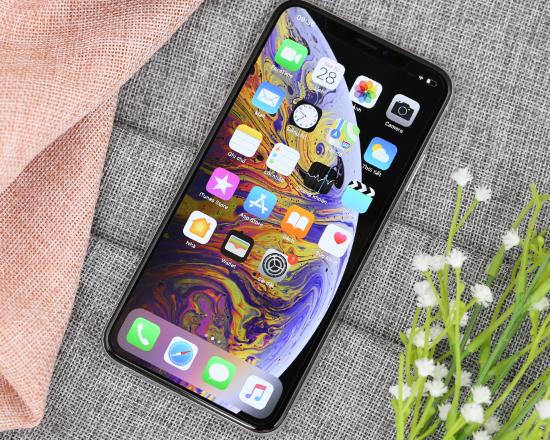 iphone xs max soc man hinh