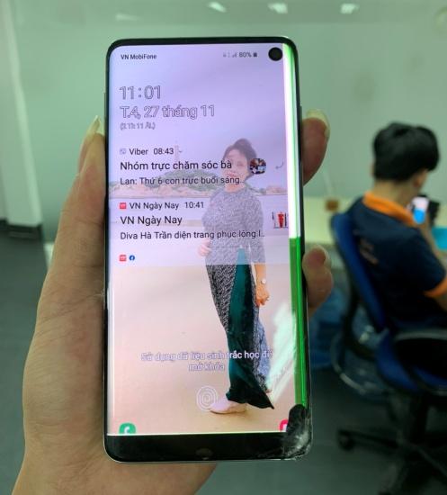 thay man hinh Samsung S10